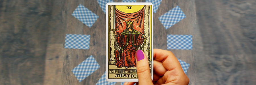 Kasamba_Blog_Post_Tarot_Justice (1)